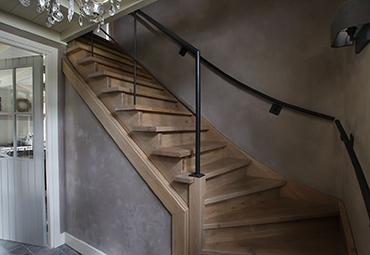 Moderne onderkwart trappen