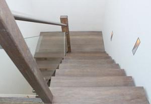 Glazen paneel bij trap - Van de Coolwijk Trappen